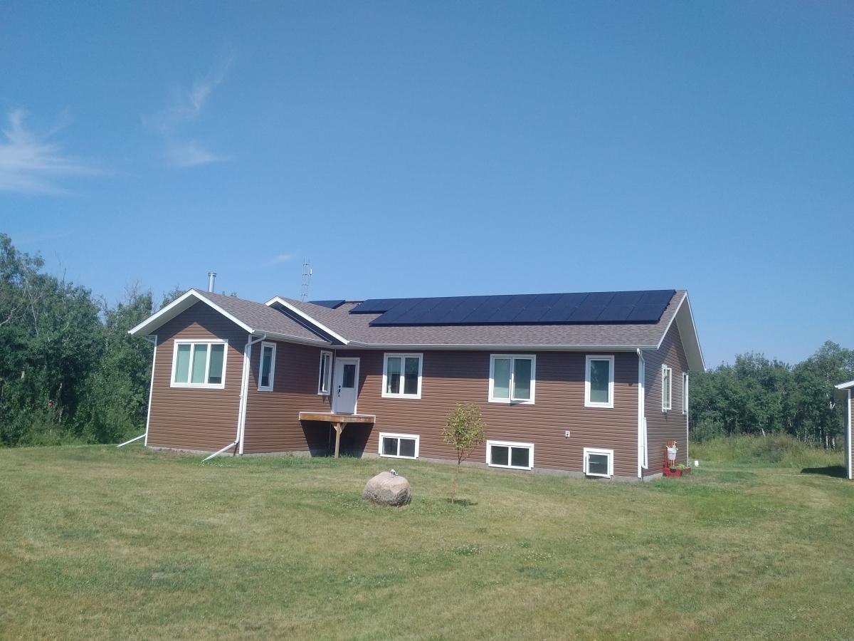 6.4 KW solar array Camrose County (2)